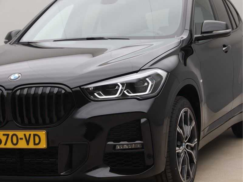 BMW X1 sDrive20i High Exe M-Sport Aut. afbeelding 20