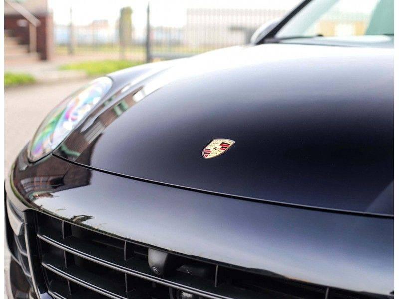 Porsche Cayenne Turbo *SportDesign*Pano*360cam*Chrono*Soft-Close* afbeelding 17