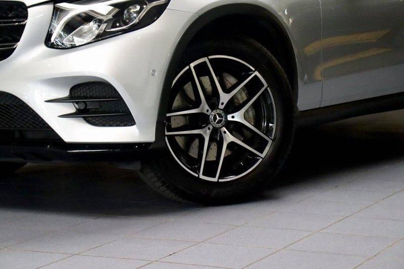 Mercedes-Benz GLC 250 4MATIC Premium Plus AMG PANO Night afbeelding 3
