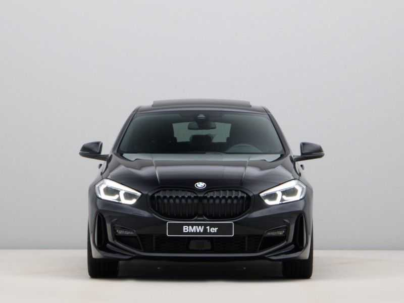 BMW 1 Serie 118i High Exe M-Sport Aut. afbeelding 7