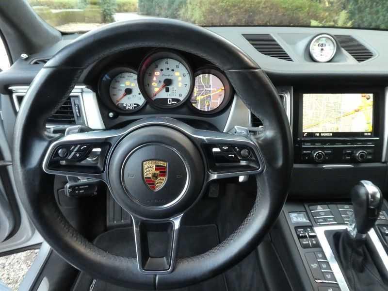 Porsche Macan 3.6 Turbo afbeelding 13