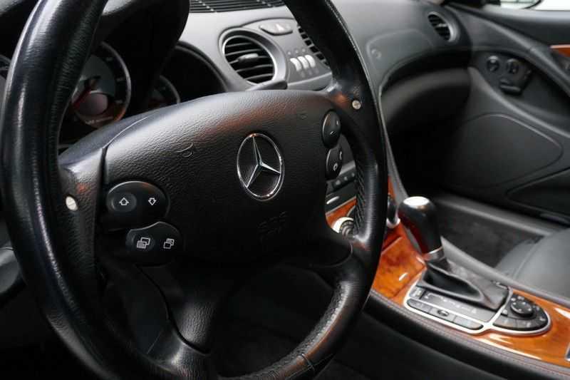 Mercedes-Benz SL-Klasse 65 AMG V12 afbeelding 18