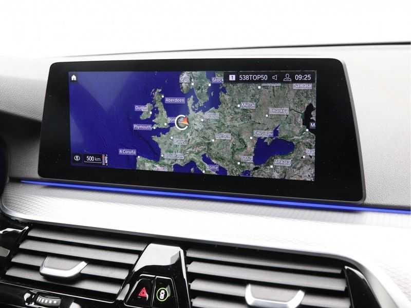BMW 5 Serie 520i High Executive M-Sport afbeelding 19