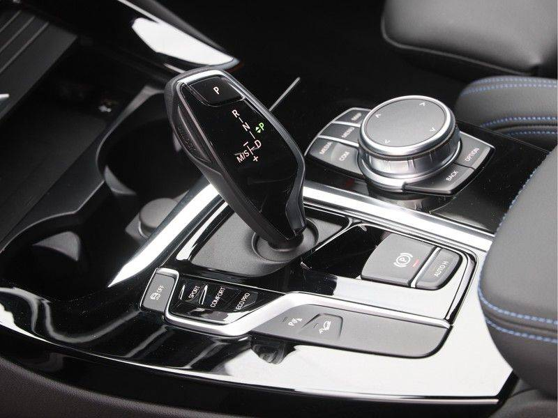 BMW X3 xDrive 20d High Executive afbeelding 15