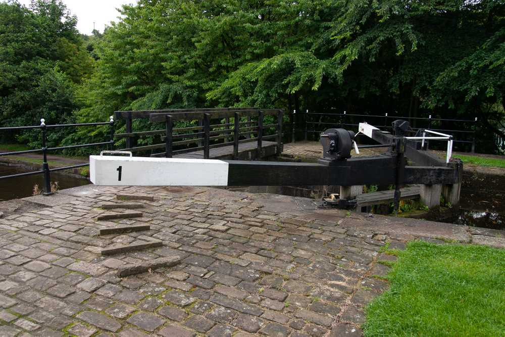 Sowerby Bridge Canal Picture 3