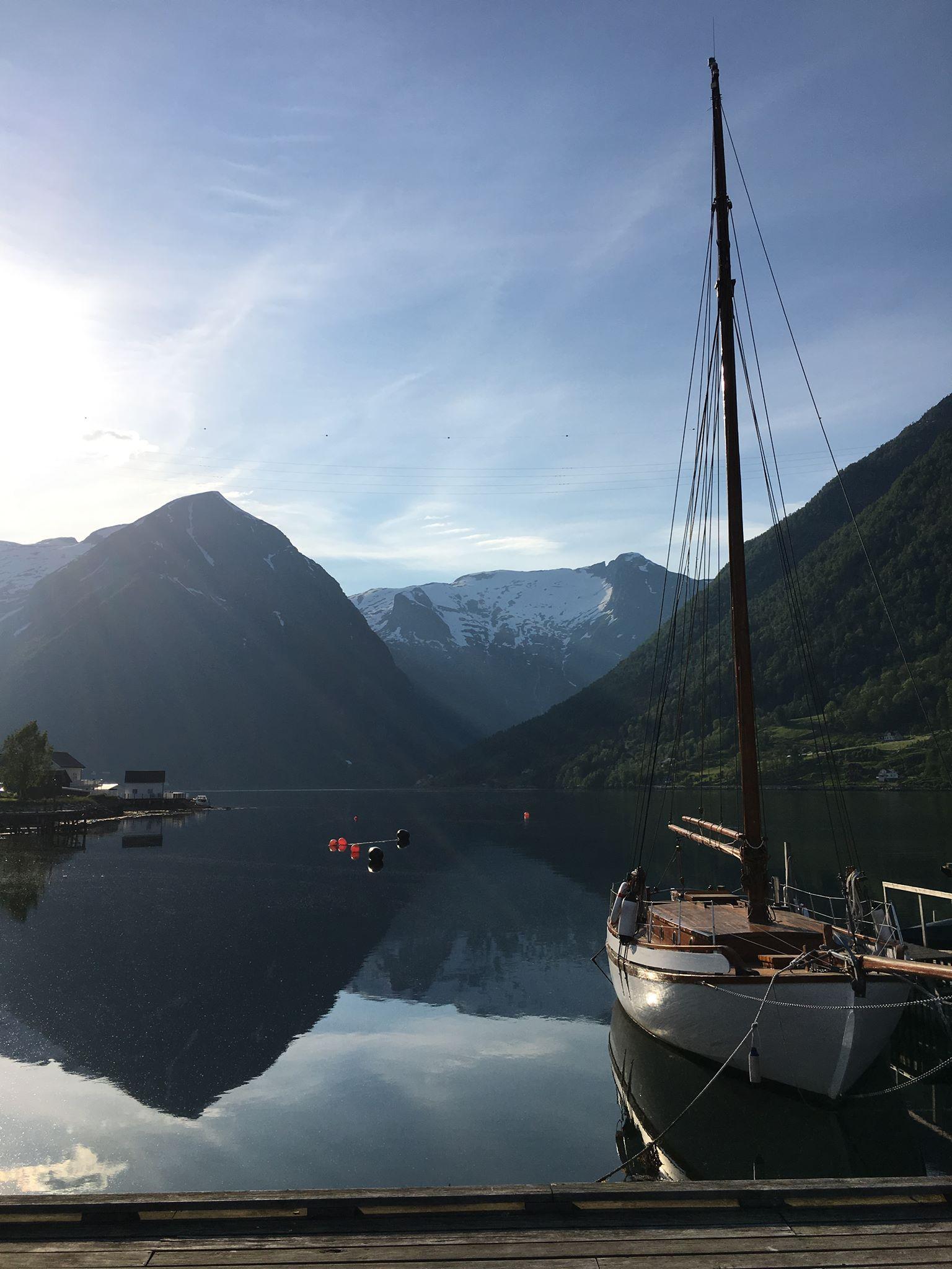 fjord color blue balestrand esefjord