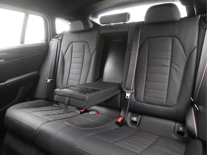 BMW X4 xDrive20i M Sport Edition afbeelding 15
