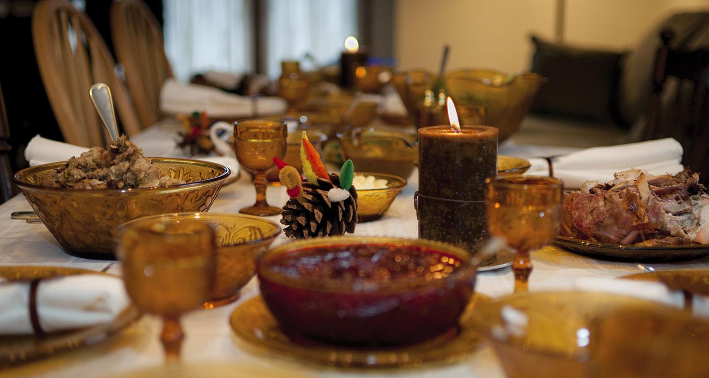 Sharing the thanksgiving table make happy memories - Credit vxla