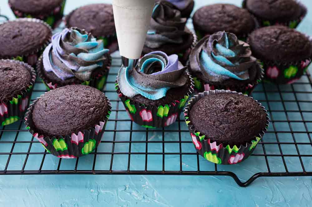 vegan milky way galaxy buttercream frosting