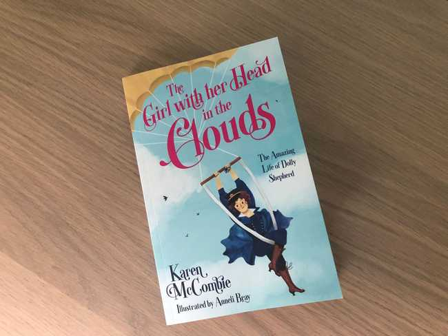 The Girl with her Head in the Clouds by Karen McCombie: Review