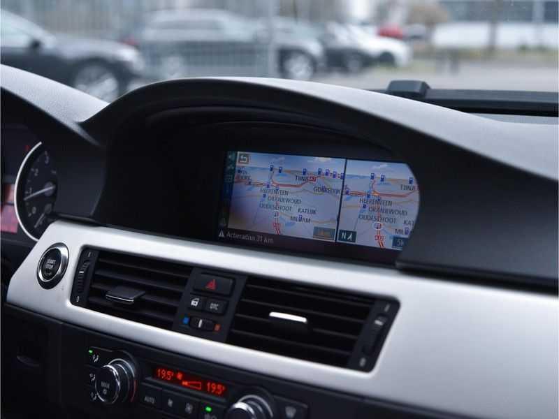 BMW 3 Serie Coupe 335i High Executive M-Perf uitlaat Leer Navi Breyton velgen 1e eigenaar afbeelding 2