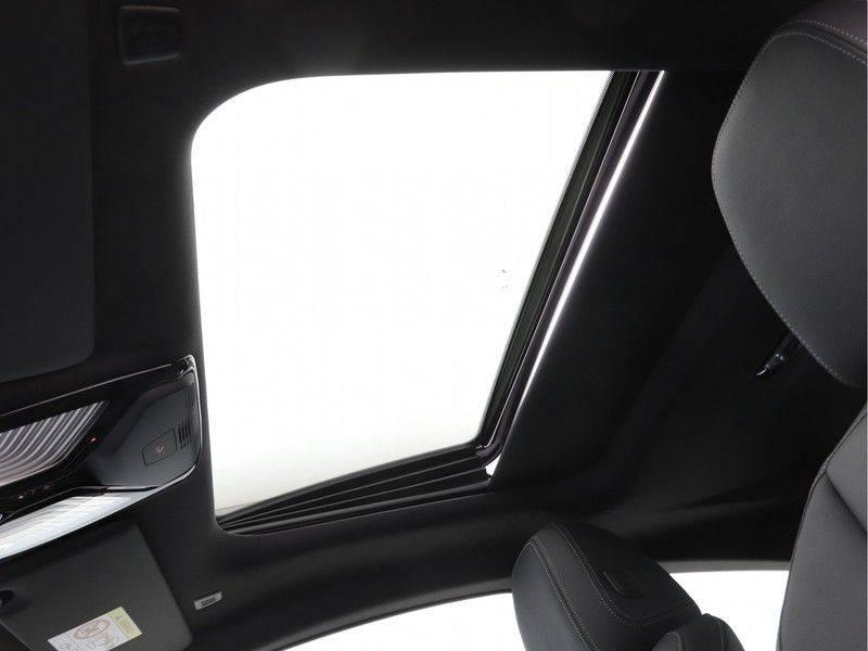 BMW 4 Serie 420i Coupé High Exe M-Sport Aut. afbeelding 19