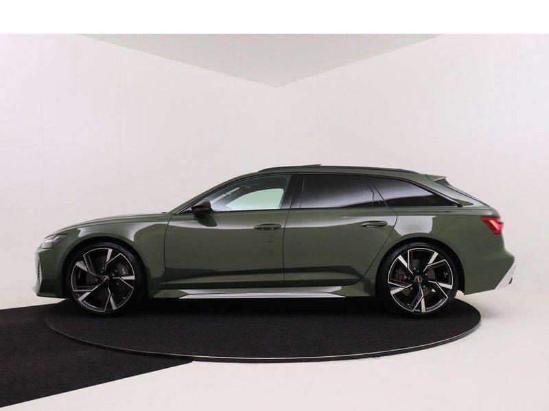 Audi A6 Avant RS 6 TFSI 600 pk quattro | 25 jaar RS Package | Dynamic + pakket | Keramische Remschijven | Audi Exclusive Lak | Carbon | Pano.dak | Assistentie pakket Tour & City | 360 Camera | afbeelding 7