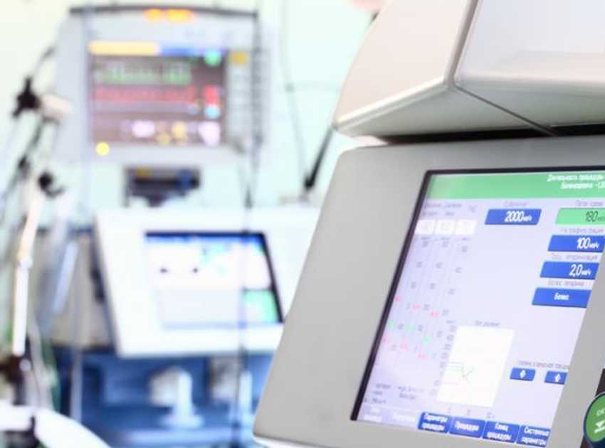 Accruent - Resources - Blog Entries - 3 Reasons to Lease Vs. Buy Healthcare Equipment - Hero