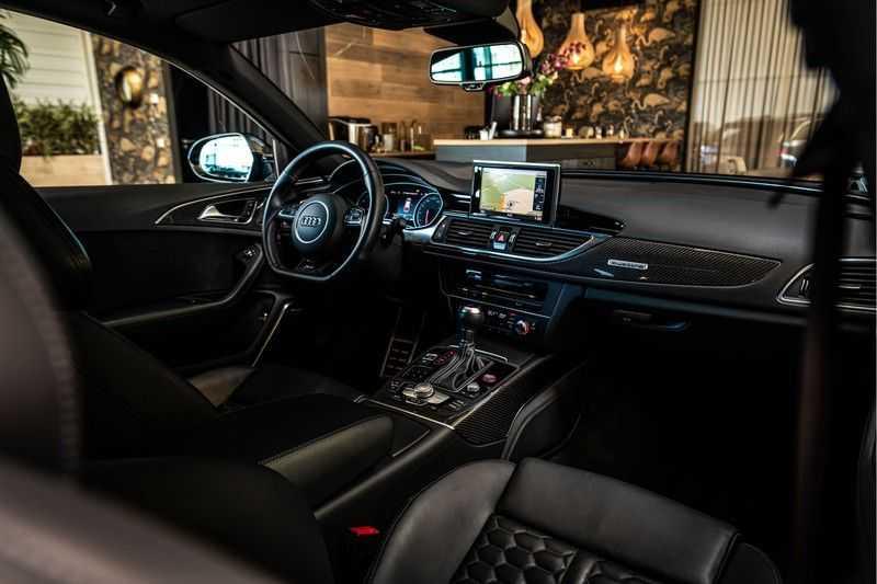 Audi RS6 Avant 4.0 TFSI quattro Performance   Ceramic   B&O   Head-up Display   Panorama   Milltek uitlaatsysteem afbeelding 17