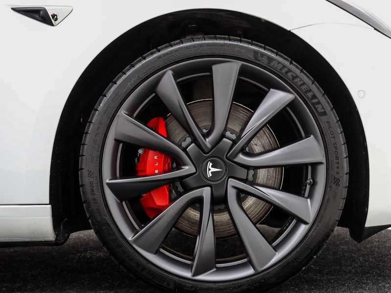 Tesla Model 3 Long Range All-Wheel Drive Performance Prijs is Incl. BTW   20'' grijze Performance-velgen   Performance upgrade   Performance remmen   Autopilot   afbeelding 14
