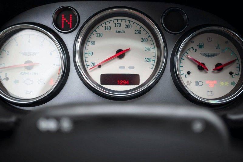 Aston Martin V12 Vanquish 5.9 *Absolute nieuwstaat!* afbeelding 9