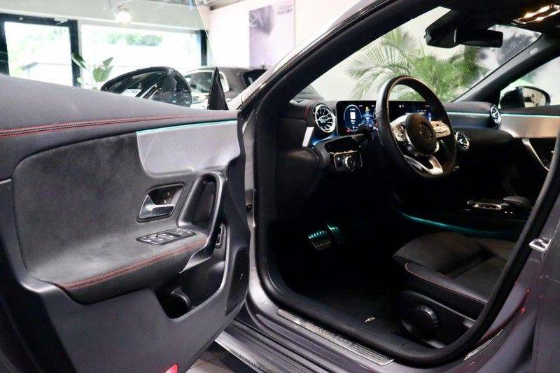 Mercedes-Benz CLA-Klasse 220 Premium Plus AMG|NIGHT|PANO|TREKHK Mercedes-Benz CLA-klasse 220 Premium Plus afbeelding 8