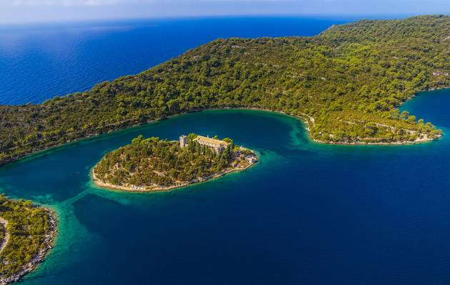 Visit the paradise of Mljet with Croatia boat holidays