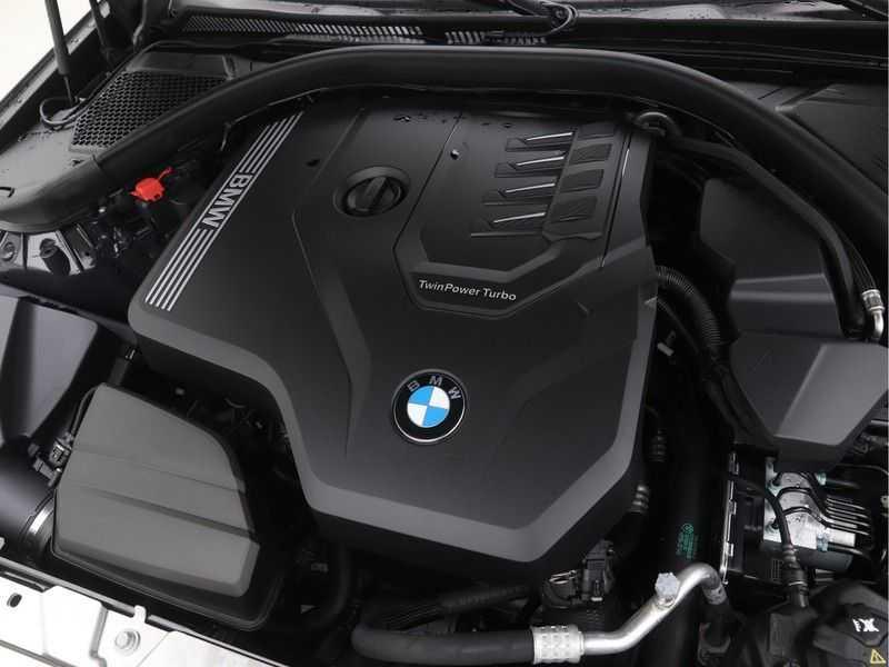 BMW 3 Serie Sedan 320i High Executive M-Sport Automaat afbeelding 5