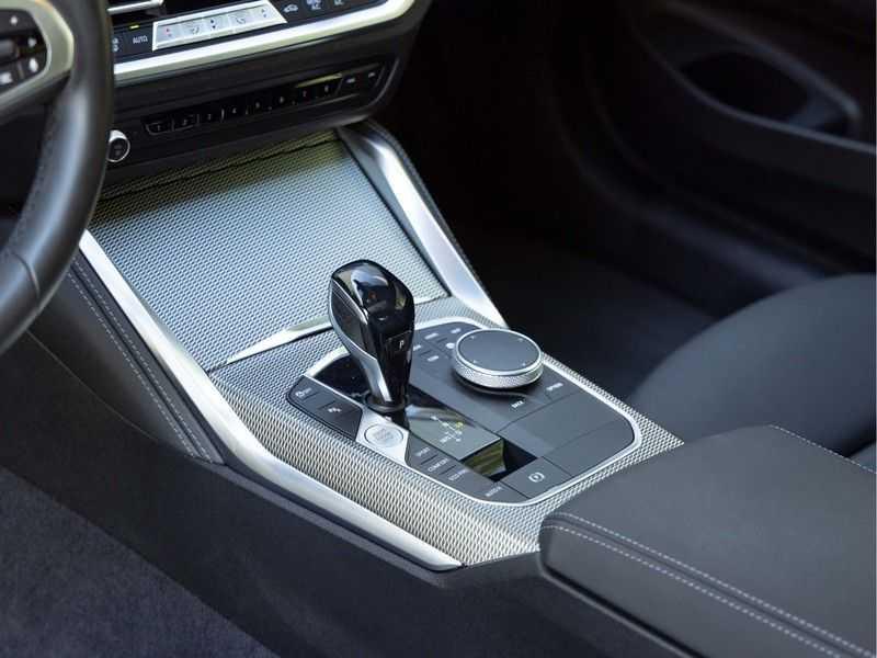 BMW 4 Serie Coupé M440i xDrive - High Executive - Dak - ACC - Harman Kardon afbeelding 25