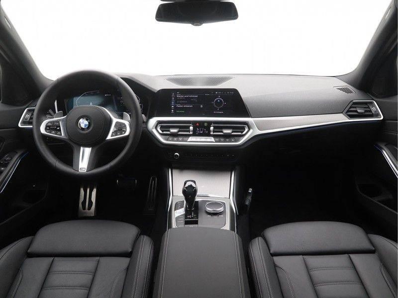 BMW 3 Serie Sedan 330e High Executive M-Sport Automaat afbeelding 13