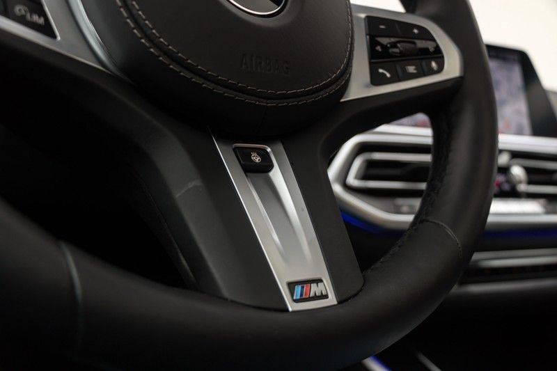 "BMW X5 M40i xDrive 340pk Panoramadak VirtualCockpit ShadowLine Sportleder+Memory Head-Up HarmanKardon Luchtvering Laserlicht AmbientLight Keyless Sportuitlaat 22"" 360Camera ParkAssist Pdc afbeelding 23"