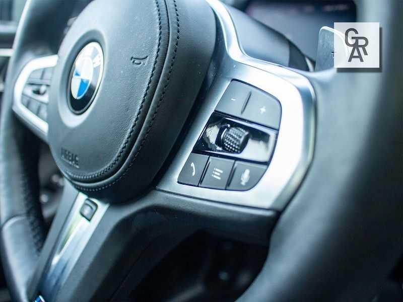 BMW 1 Serie M135i xDrive High Executive afbeelding 14