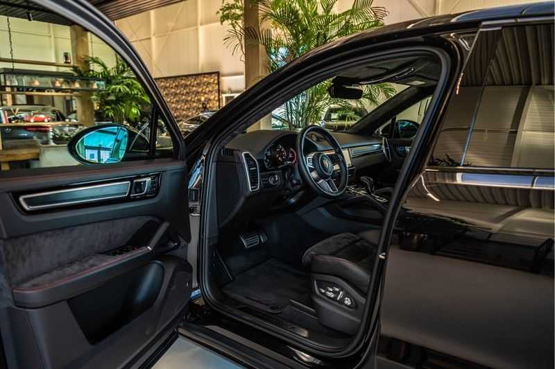 Porsche Cayenne Coupé 4.0 GTS   Head-up-Display   BOSE   Adaptieve luchtvering afbeelding 25