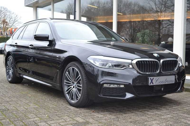 BMW 5 Serie touring 530d xDrive M sportpakket NW 110.000,- afbeelding 2
