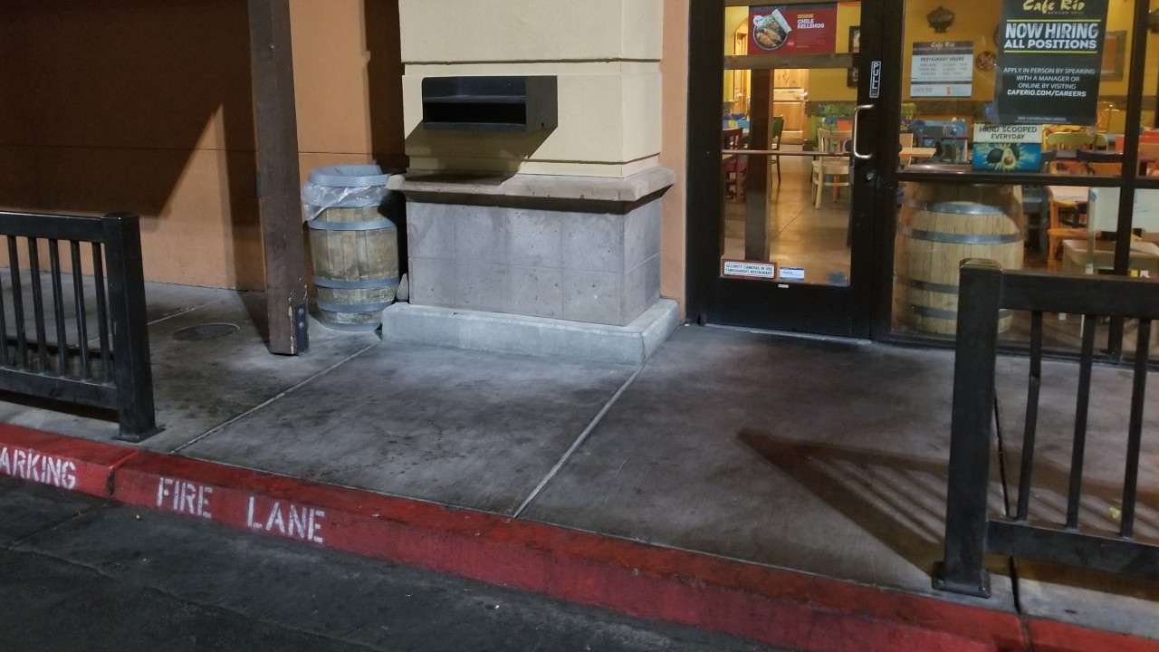 pressure-washing-cafe-rio-storefront-and-siding--before-14