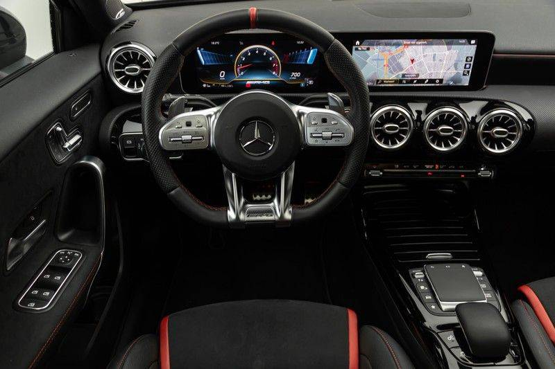 "Mercedes-Benz A-Klasse A35 AMG 306pk 4Matic AeroPack Panoramadak Nightpakket Schaalstoelen+Memory Widescreen Burmester AmbientLight Multibeam RideControl SuperSportStuur ComandOnline Full-Led 19"" Parktronic Camera Pdc afbeelding 3"