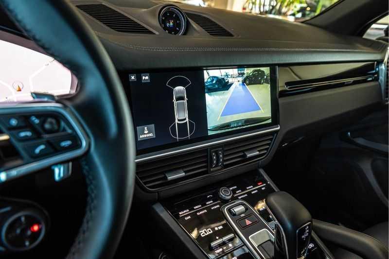 Porsche Cayenne E-Hybrid | Sport-Chrono | Panorama | BOSE | PASM | Adaptieve Sportstoelen afbeelding 14