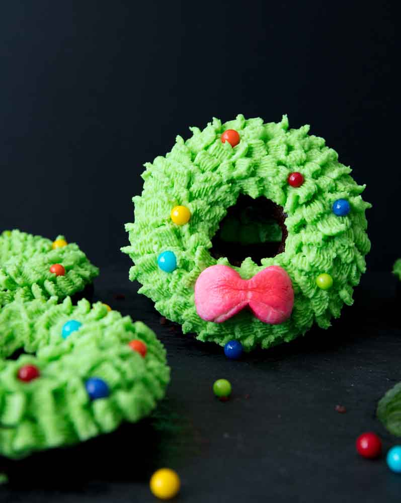 Vegan Wreath Donut Cakes
