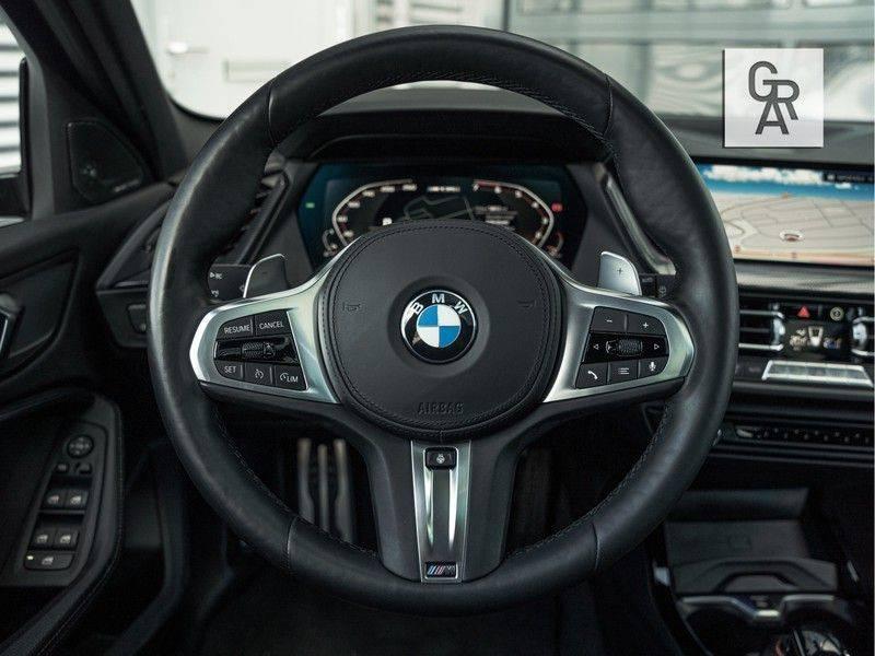 BMW 1 Serie M135i xDrive High Executive afbeelding 12