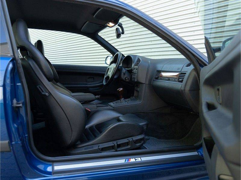 BMW 3 Serie Coupe M3 3.0 - 1st Owner - 1st Paint - ''Like New'' afbeelding 14