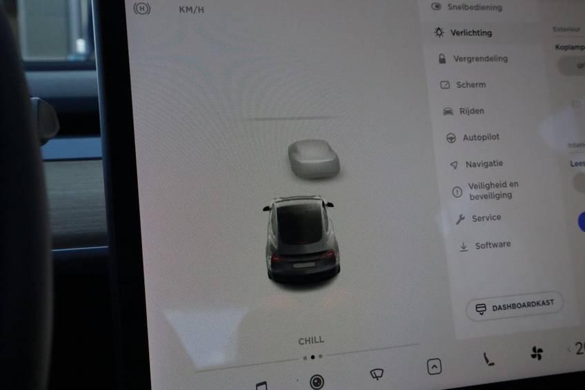 """Tesla Model 3 Long Range   prijs ex.btw 45.889,-   4% 19""""LM Grijs Zwart Performance Look afbeelding 24"""