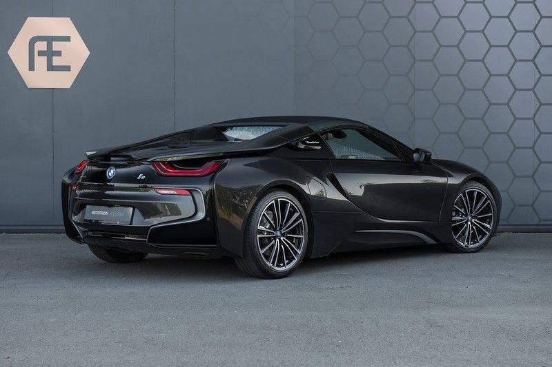 BMW i8 Roadster Dry Carbon, Carbon interieur afwerking, Accaro fijn nappa leder, Progressive package , Laser LED Koplampen afbeelding 7