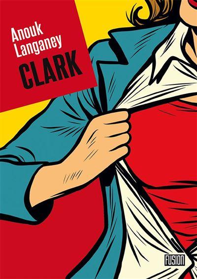 Style dessin de comics, une femme, dont on ne voit que la moitié droite du torse ouvre sa veste bleue et sa chemise blanche, on voit en dessous un t-shirt rouge évoquant Superman