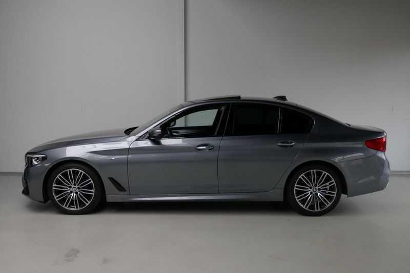 BMW 5 Serie 530d High Executive M-Sport afbeelding 3