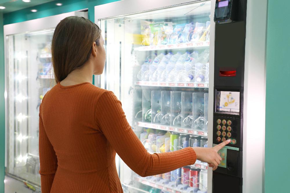 Distributore automatico cibi e bevande