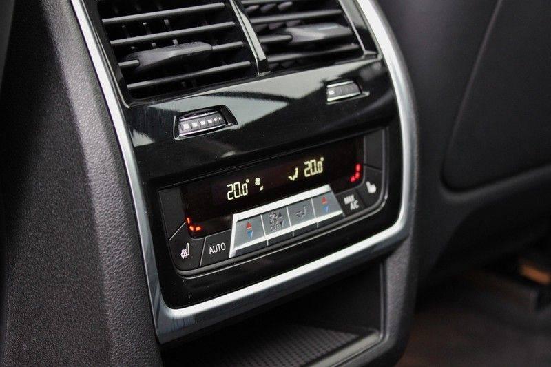 BMW X5 M Competition 4.4 V8 626pk **Pano./ACC/Elek.Trekhaak/HUD/Softclose** afbeelding 25