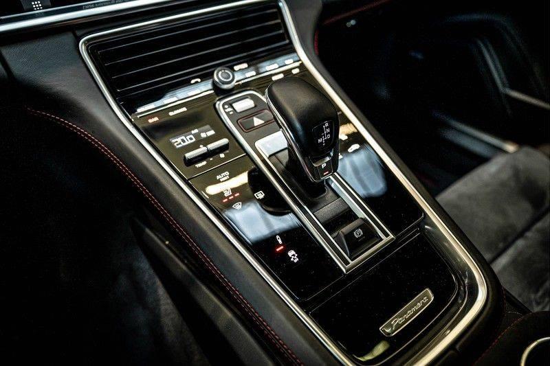 Porsche Panamera 4.0 GTS Sport Turismo | 360 | HUD | BOSE |PANO | Soft close | DAB | LED Matrix | Afstandstempomaat | Karmin Rood pakket, rood st afbeelding 16