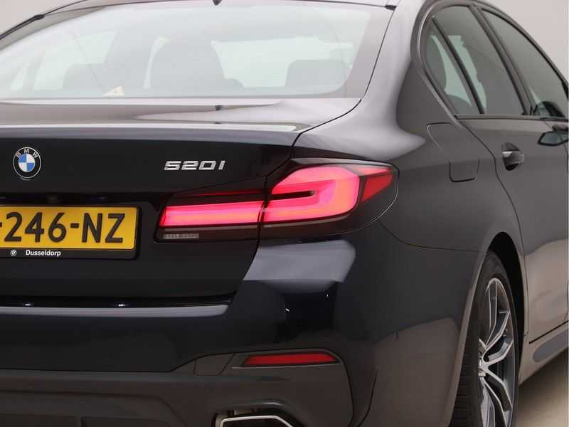BMW 5 Serie 520i High Exe M-Sport Aut. afbeelding 17