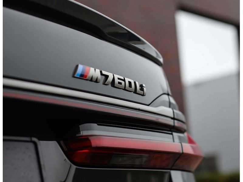 BMW 7 Serie M760Li xDrive *Dravit grey*Executive seats*Sky Lounge*Full option* afbeelding 9