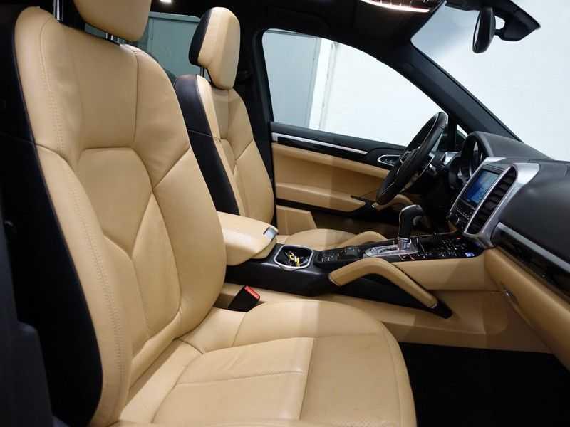 Porsche Cayenne 3.0 S E-Hybrid Sport 334pk Autom Bi Colour Leder, Panodak, Navi, Xenon Led afbeelding 23