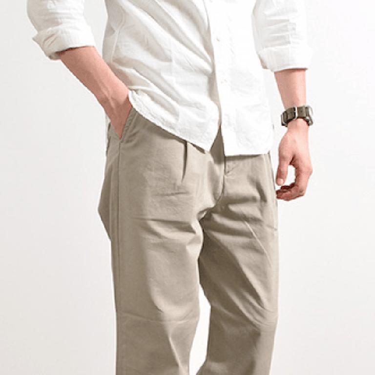L'aisance originelle du pantalon à pince