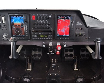 Cessna 162 Skycatcher cockpit