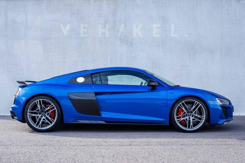 Audi R8 5.2 performance quattro // Ara Blue afbeelding 2