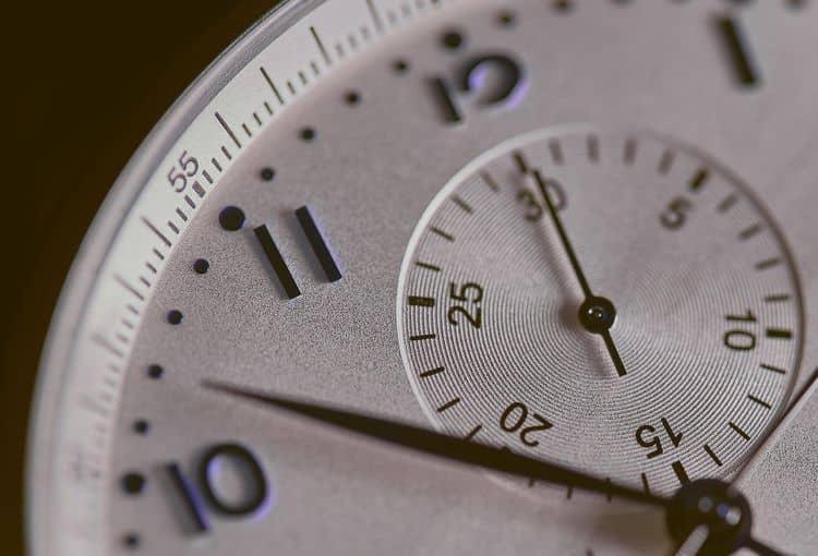 Uhr zeigt Dauer an